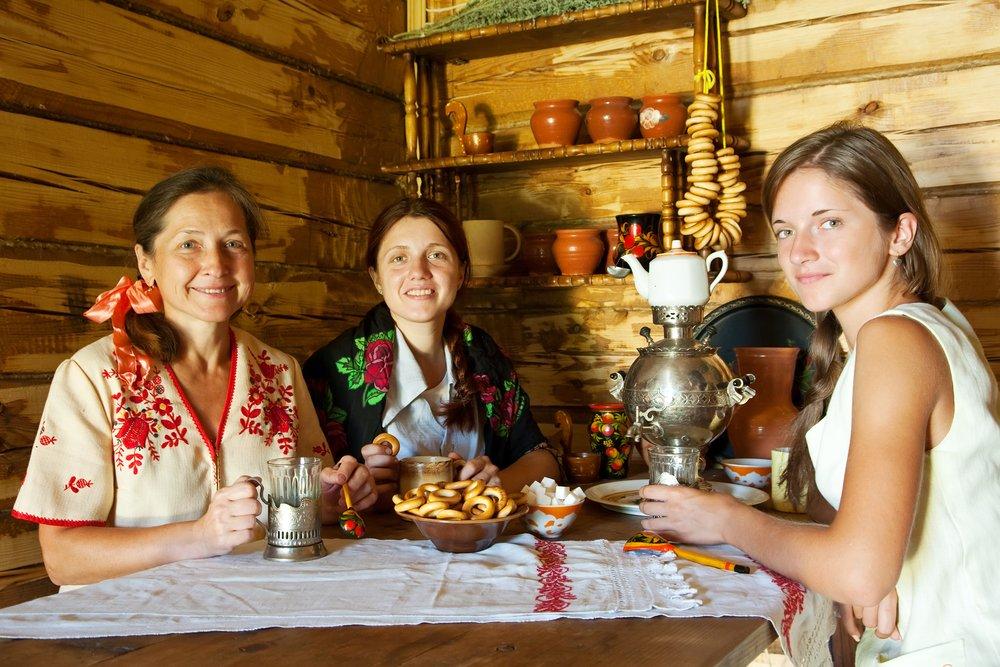 Women near samovar, Russia